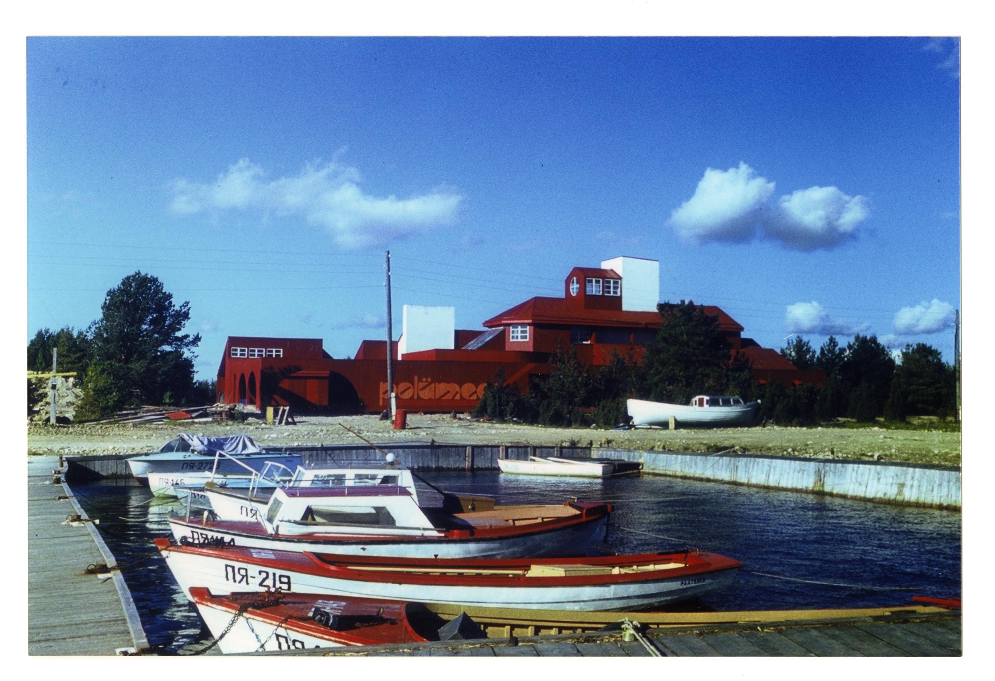 Polümeeri puhkebaas Paatsalus. Arhitekt Toomas Rein, sisearhitekt Juta Lember, 1976–1979. Foto: Jüri Varus / Eesti Arhitektuurimuuseum