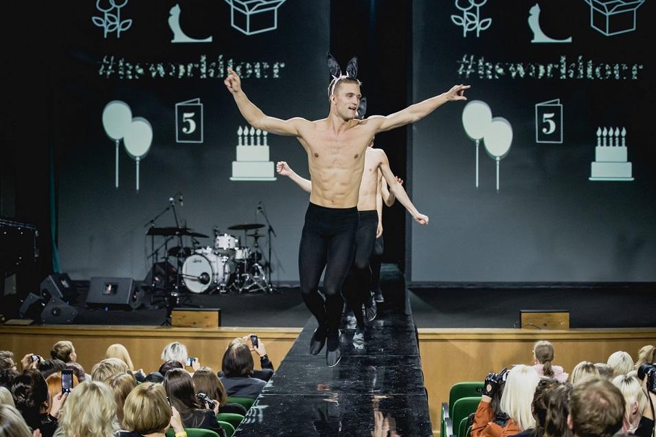Kuldnõela võitja Kriss Soonik-Käärmanni moe-show TFWl. Foto: Jelena Rudi