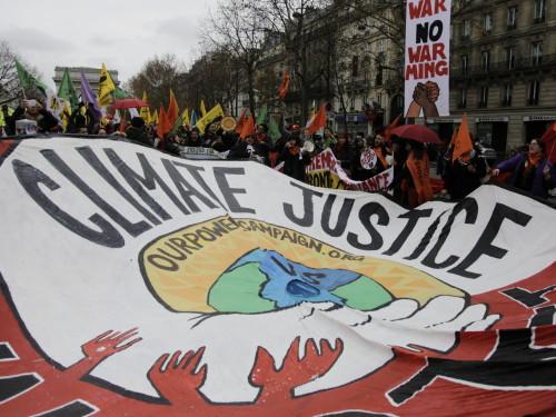 Meeleavaldus Pariisis 12.12.15. Foto Renee Altrov