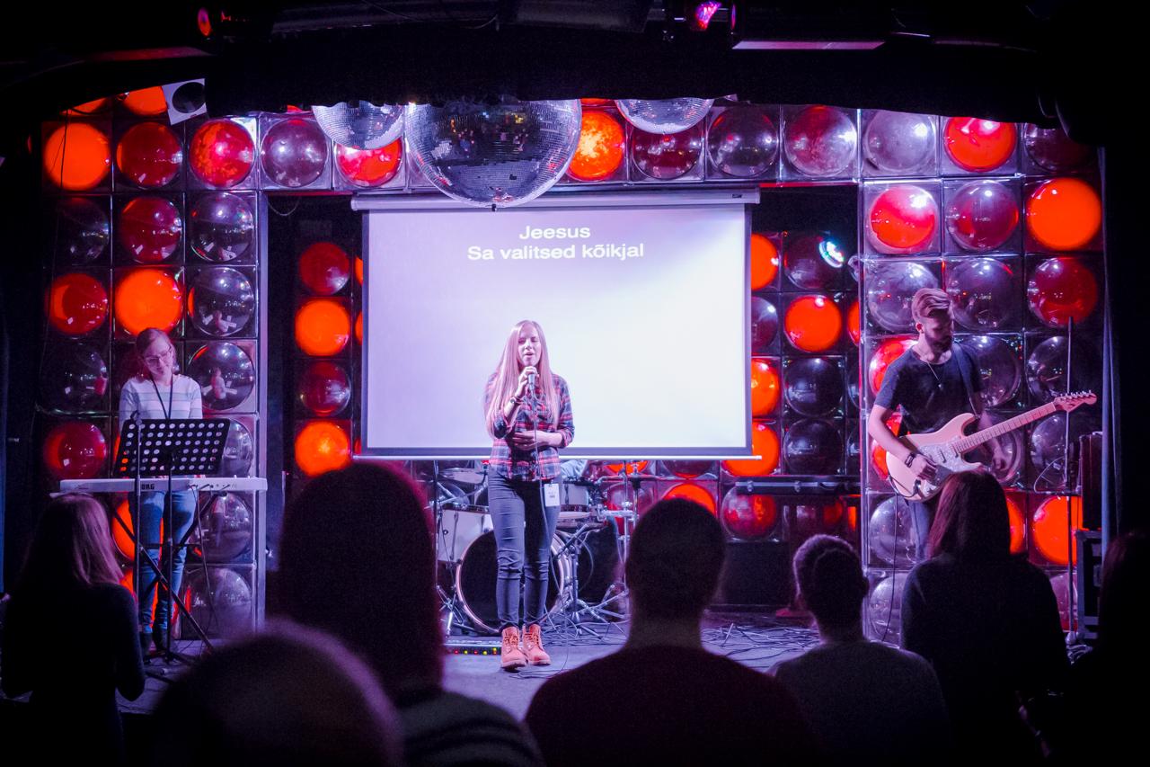 3D koguduse pühapäevane teenistus Tallinna klubis Privé. Foto: Aleksander Kelpman