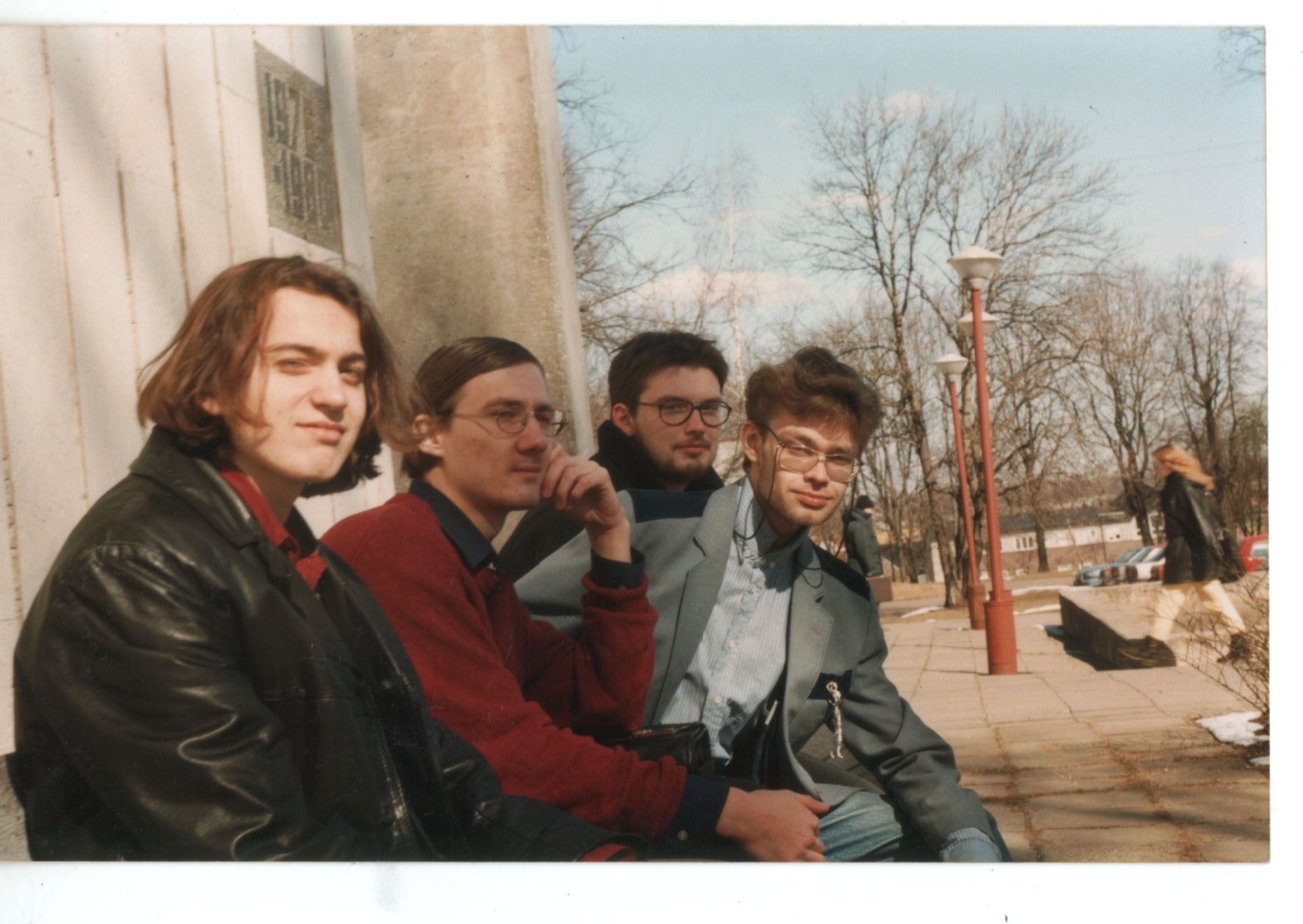 Osa Erakkonnast. Pildil (vasakult): Andreas Kalkun, Kalju Kruusa, Aare Pilv, Berk Vaher. Aprill 1997. Foto: erakogu