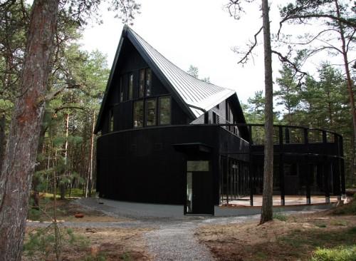 Maja Laulasmaal, Aasta Puitehitis 2013. Autorid: Lembit-Kaur Stöör, Ülo-Tarmo Stöör. Foto: ÖÖ-ÖÖ Arhitektid