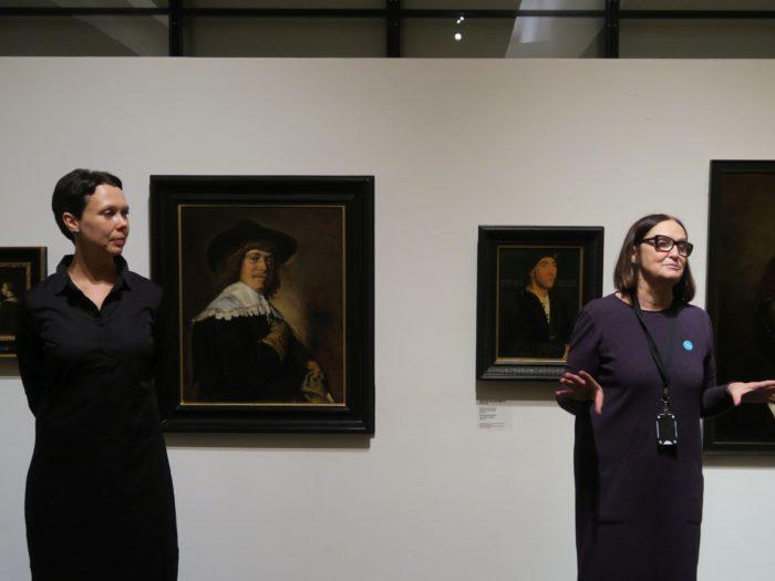 Anu Allas (vasakul) ja Tiina Abel. Foto: Karel Zova