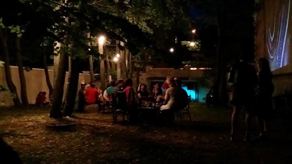 Arhiivi/Tartu Kirjanduse Maja hoov. Foto: Juhan Kari