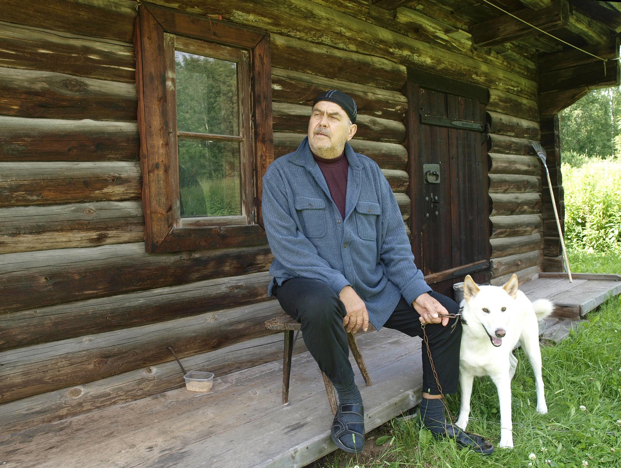 Nikolai Baturin oma kodus Viljandimaal Kalbuse külas. Foto: Sven Arbet / Maaleht / Scanpix