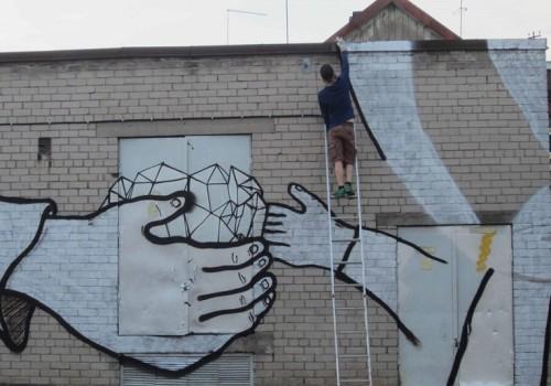Grafiti Viljandis Tallinna tänaval. Foto: Uku Sepsivart