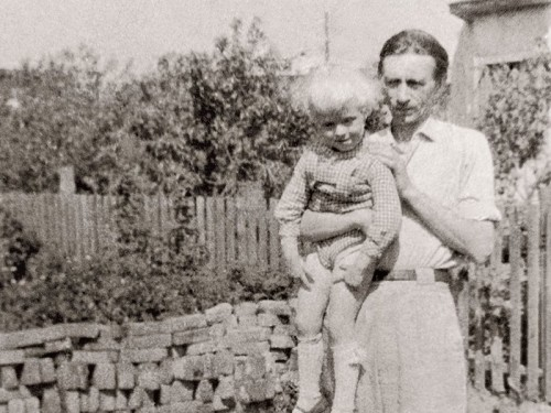 Artur Alliksaar poja Jürgeniga. Foto: teadmata autor, Eesti Kultuurilooline Arhiiv