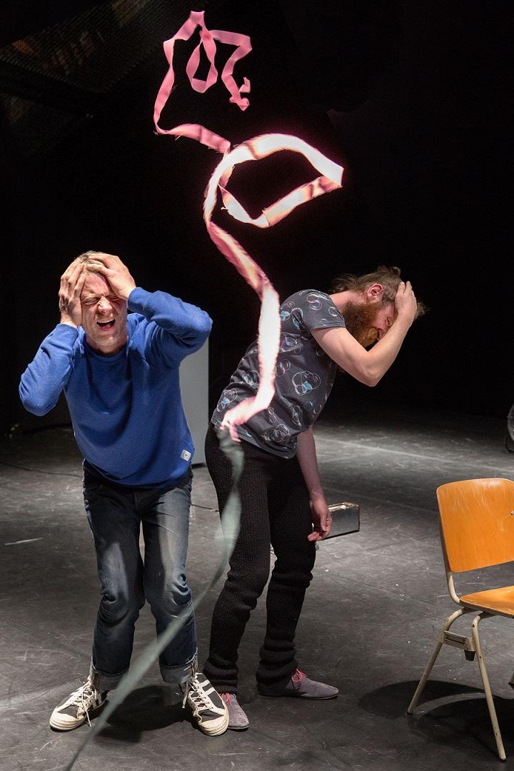 "Benjamin Verdonck ja Pieter Ampe, ""WE DON'T SPEAK TO BE UNDERSTOOD"". Foto: Phile Deprez"