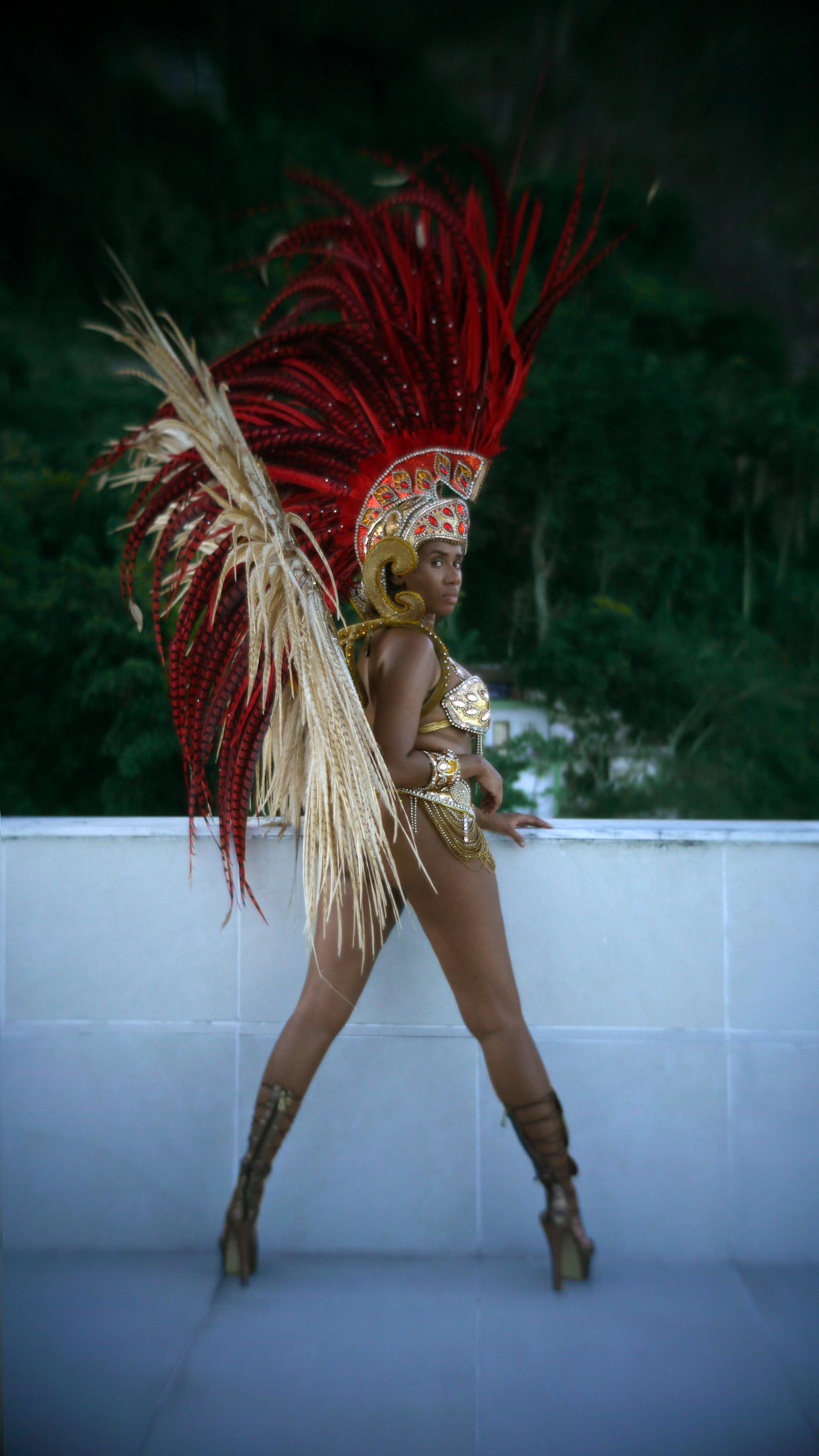 Bianca Barroso harjutab tantsu lähenevaks Sambódromo sambakarnevaliks. Foto: Andrei Jakovlev