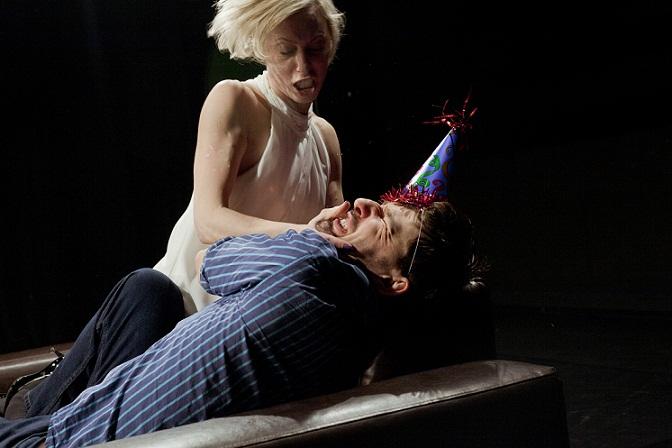 """""""Bloody Mary"""": Tiina Tauraite ja Erki Laur. Foto: Alan Proosa"""