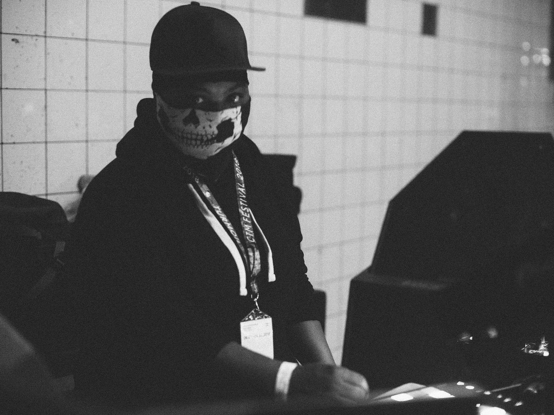 CTMil esinenud eksperimentaalse footworki boss Jana Rush, kes andis edasi ühe kõige täpsema väljenduse rahutuse võimendavast efektist muusikas. Foto: CTM / Camille Blake