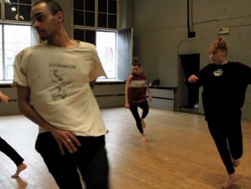Rene Köster, Janina Šarantšina ja Helina Reinjärv proovis. Foto: Twisted Dance Company