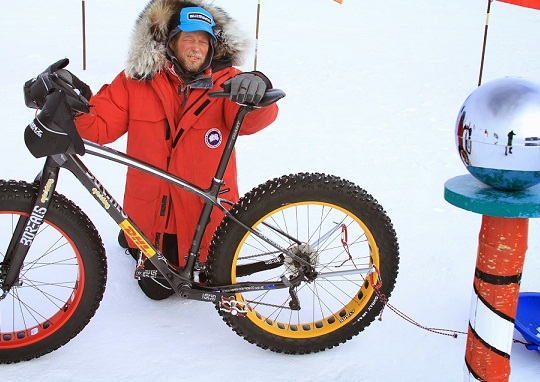 Daniel Burton Amundsen-Scotti polaarjaamas. Foto aadressilt epicsouthpole.blogspot.com.