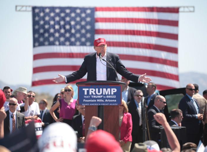 Donald Trump oma Arizona toetajatele kõnet pidamas. Foto: Gage Skidmore (CC BY-SA 2.0)