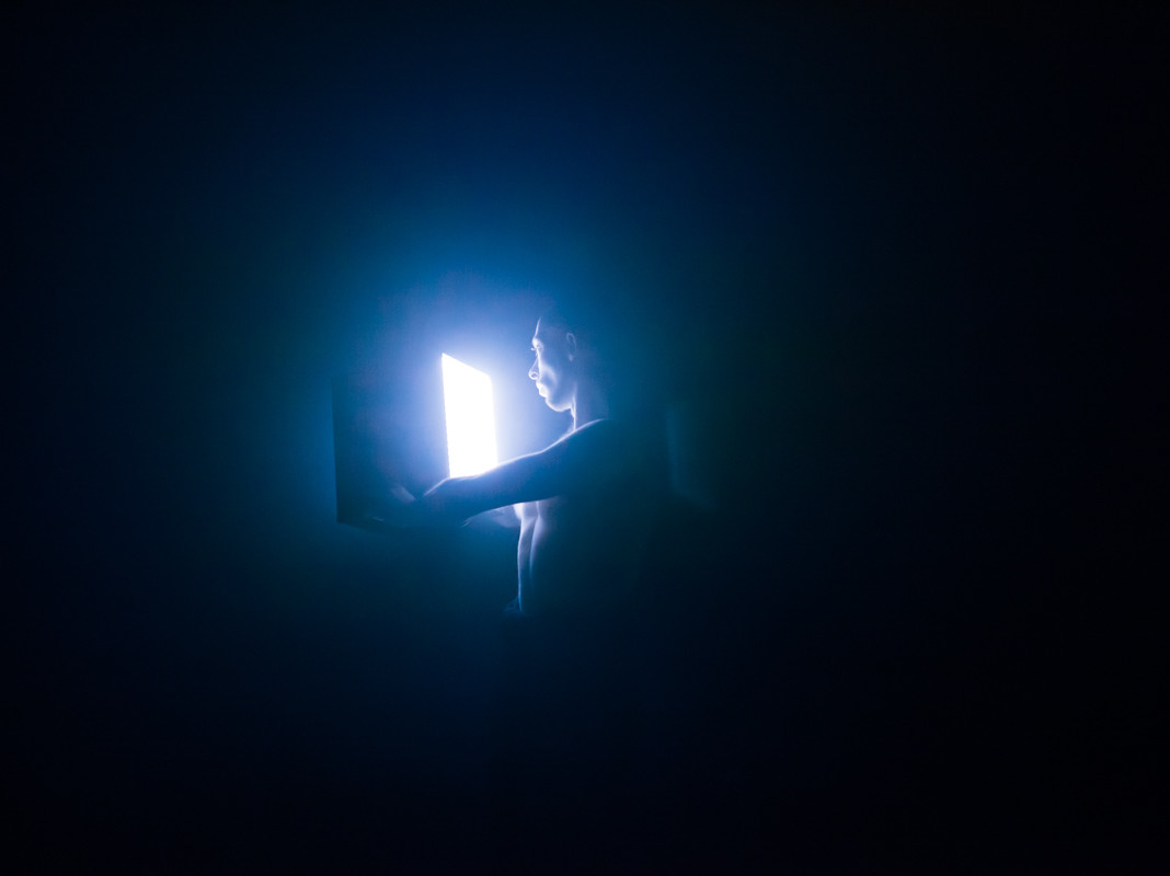 "Rauno Zubko lavastuses ""Binaural vision"". Foto: Aleksander Kelpman"