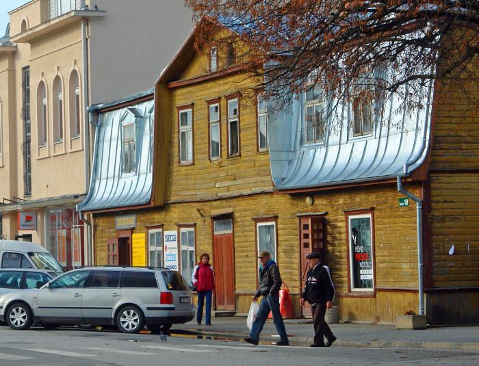 Suur tänav Jõgeval. Foto: Väino Valdmann (Wikimedia Commons)