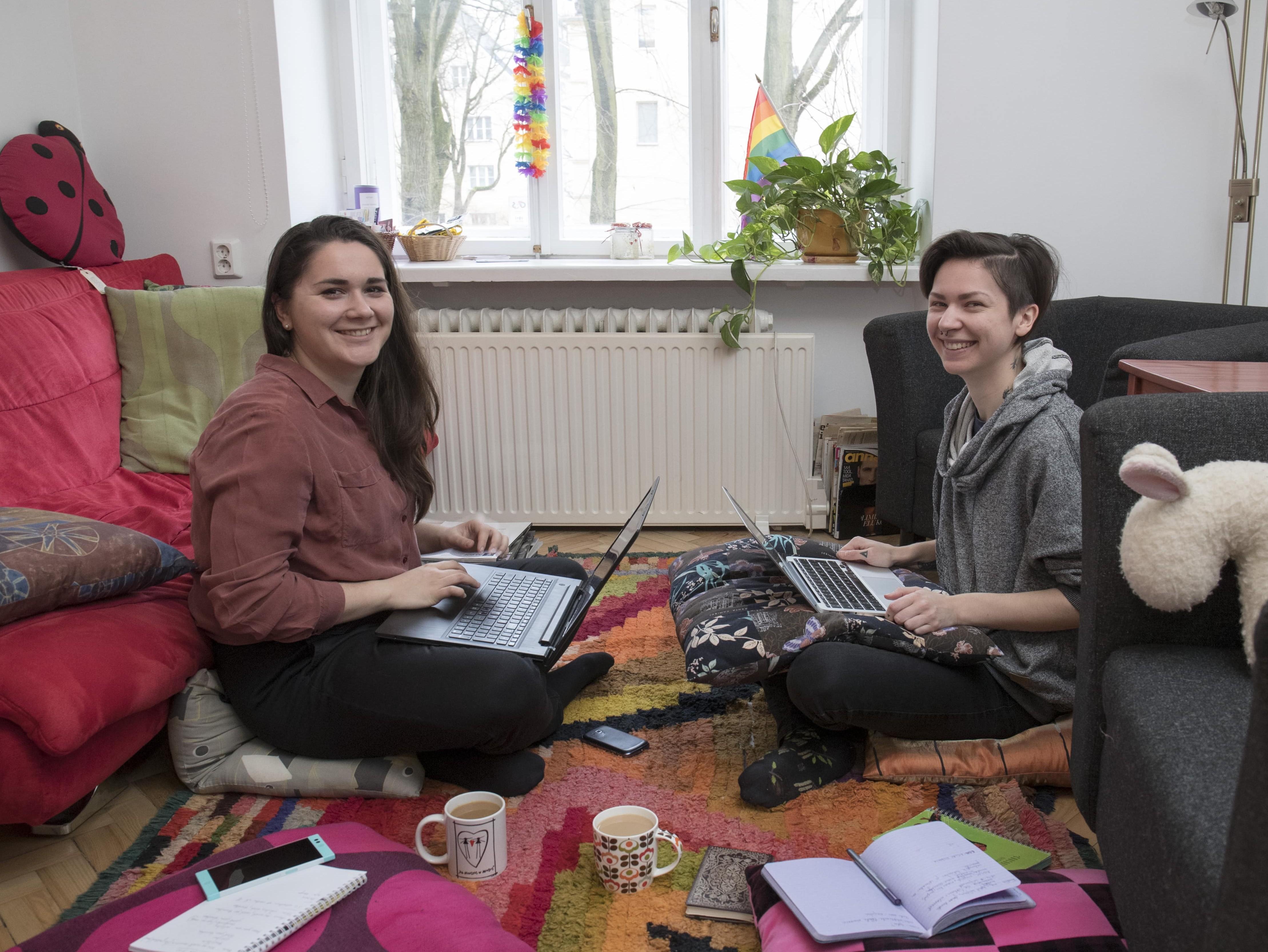 Elli Kalju ja Kristiina Raud selleaastast LadyFesti korraldamas. Foto: Karin Kaljuläte, Ekspress Meedia