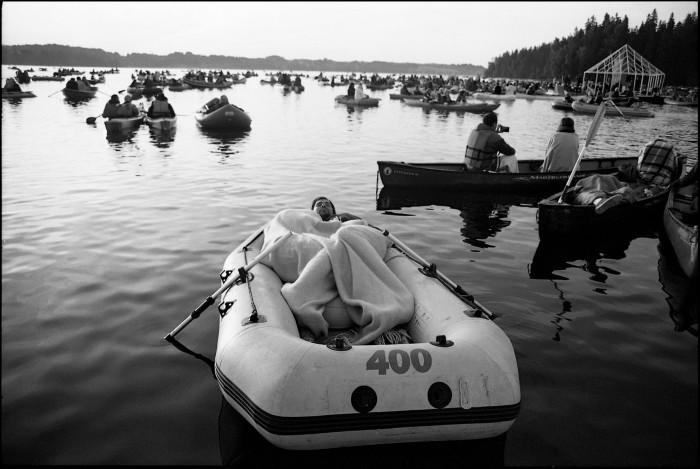 Kogu Ezera Skaņase tegevus toimub järveveel. Foto: Ezera Skaņas