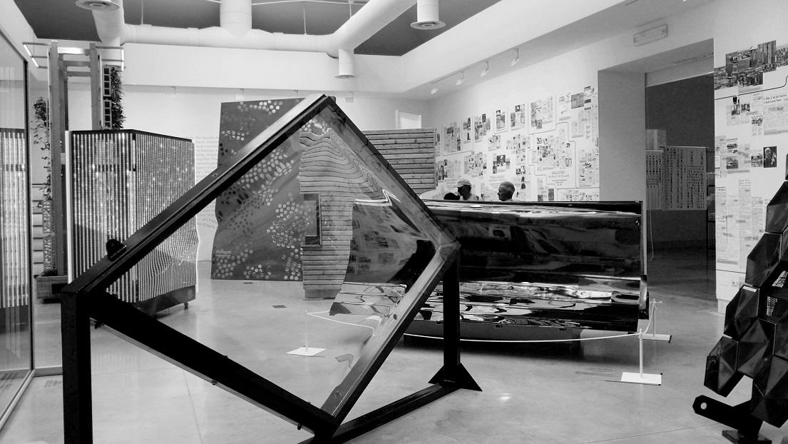 Fassaadide ruum kujutab tänapäeva võimalusterohkust ja esteetilist kakofooniat. Foto: Liisa Valdmann