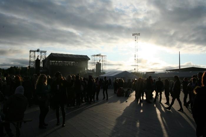 Festival visitors in the midnight sun. Photo: Kaili Lehtemaa