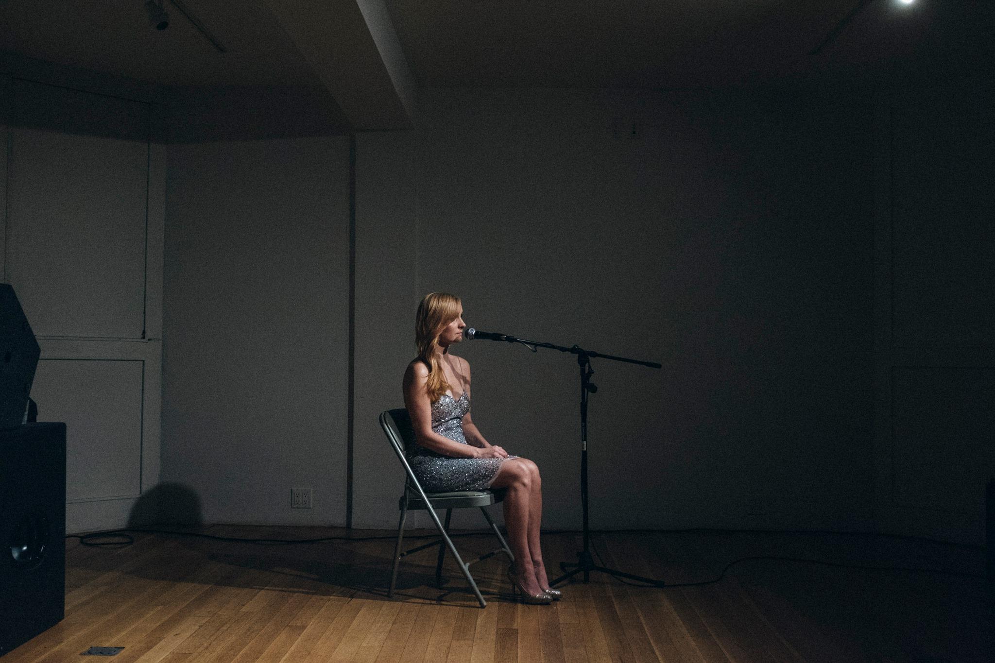 Kristi Roosmaa Tootell, kelle suust kostab üksildasi musihääli. Foto: Johan Huimerind
