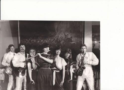 Pillimehed ja üks kahendik ansambel Elektra koosseisust 1980ndate alguses. Foto: Kadri Hundi erakogu