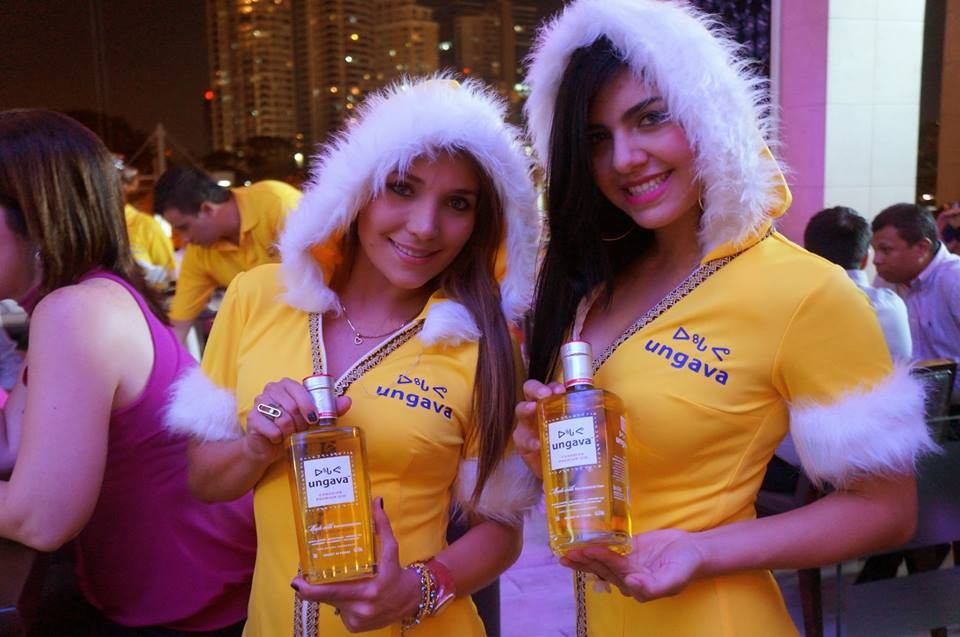 "Foto Ungava Gini Facebooki lehelt 2013. aastast, mille pealkirjaks on ""Have you met the Ungava Gin Inuits?"""
