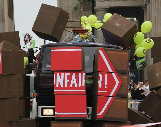 Kaader Make Chocolate Fair! tuuribussi teelesaatmiselt