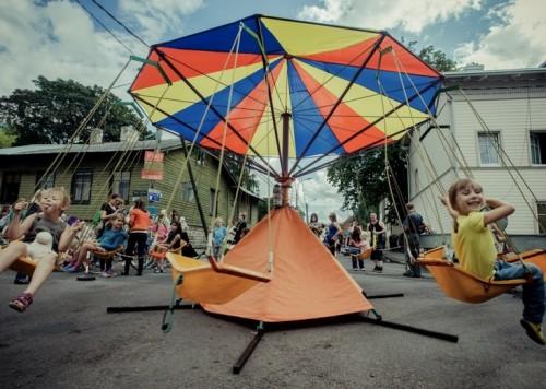 Lapsed möödunud Uue Maailma Tänavafestivalil. Foto: Jelena Rudi.