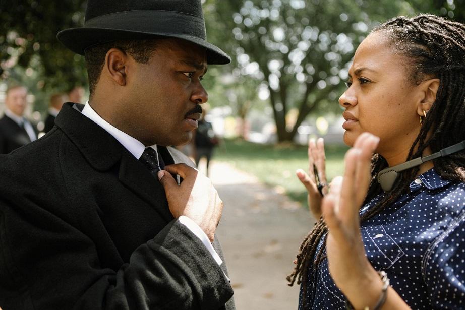 """Selleaastasel Oscarite jagamisel saime võimsate naistegelaste tunnustamise asemel üsna tüüpilise rea auhinnafilme, milles sotsiofoobidest maskuliinsete geeniuste seltskondlikud faux pas'd jäävad keerukate ja huvitavate naistegelaste siluda. Kaader filmist """"Selma"""""""