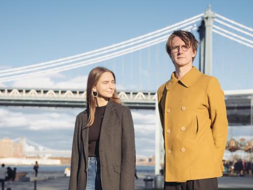 Abielupaar Kairiin Ruuven ja Gustav Kalm leiavad, et nad pole New Yorki naelutatud, aga praegu on seal põhjust olla. Foto: Johan Huimerind