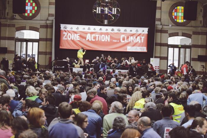 Kliimaaktivistide kogunemine Zone d'Action Climat'is ehk ZAC-is. Foto: Renee Altrov