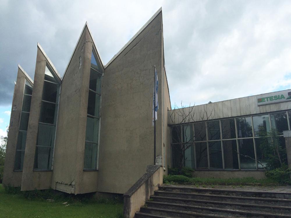 Põdrangu sovhoosi kontor-klubi Sääsel, arhitekt Mara Metsal, sisearhitekt Maia Laul, ehitati aastatel 1976–1977. Foto: Laura Ingerpuu