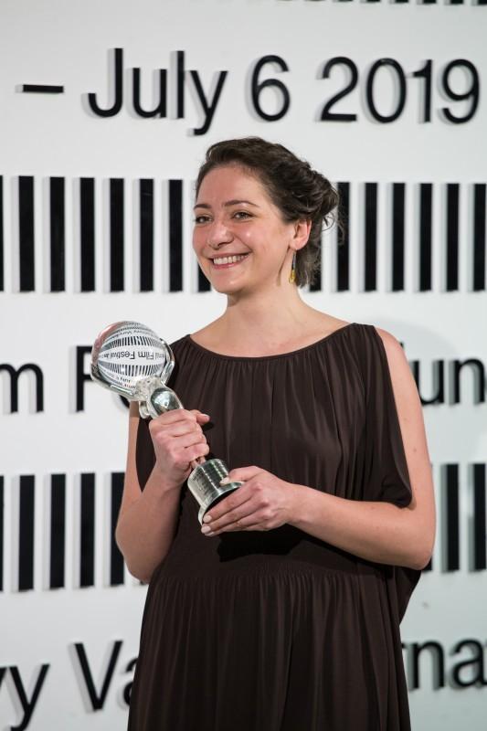 """Ksenija Ohhapkina """"Surematu"""" maailma esilinastusel Karlovy Varys. Foto: Karlovy Vary International Film Festival (KVIFF)"""