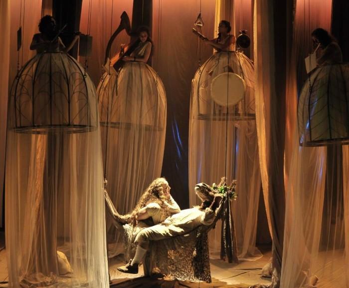 """Pjotr Fomenko Teatri etendus """"Suveöö unenägu"""". Foto: press"""