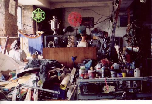 1990ndatel skvotina alustanud ning 2012. aastal lõplikult suletud kunstimaja Tacheles Berliini kesklinnas andis peavarju sadadele kunstnikele ja ränduritele. Foto: Helen Tammemäe