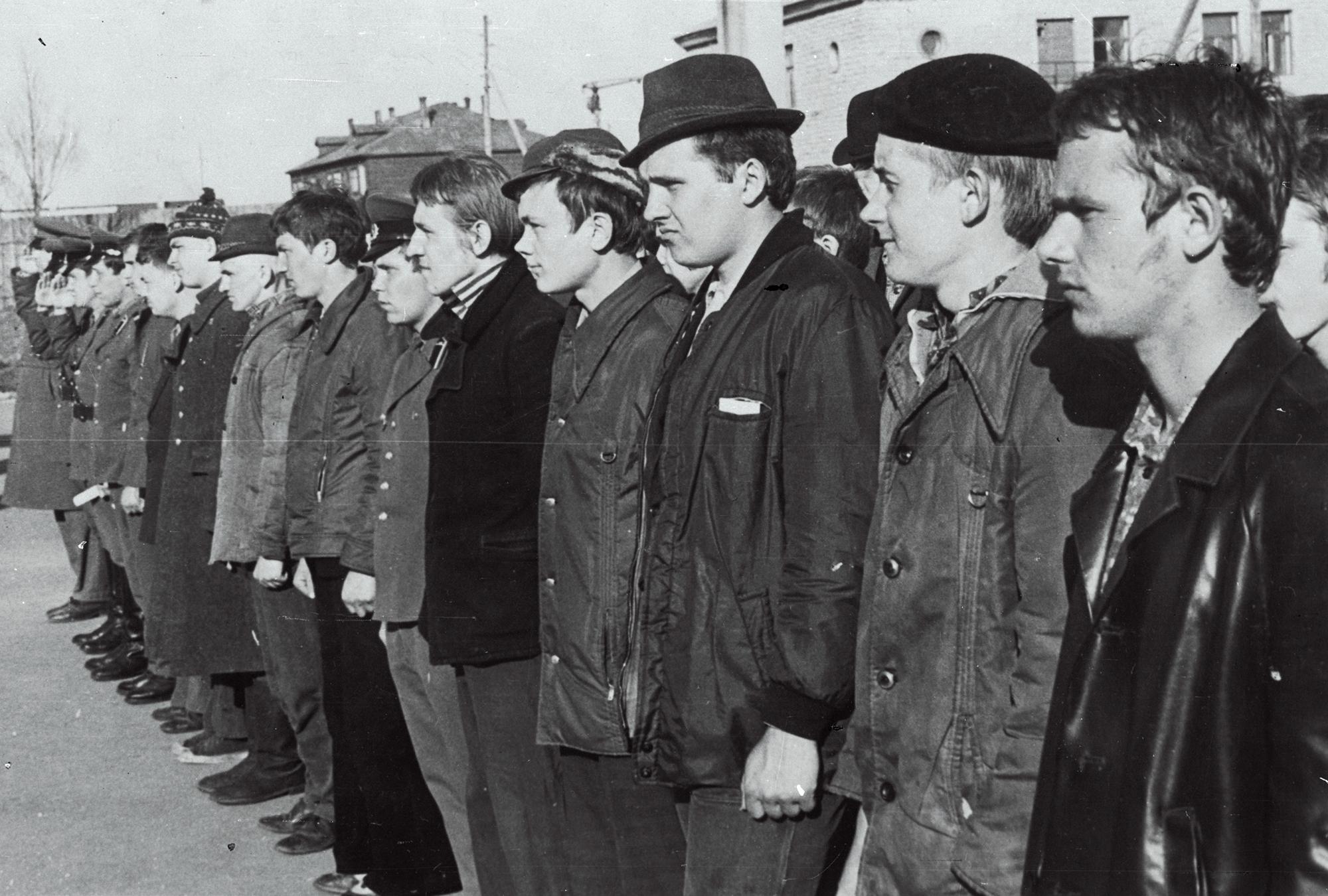 Kutsealuste vastuvõtmine Nõukogude armeesse 1975. aastal. Foto: Uno Oksbusch / ERR