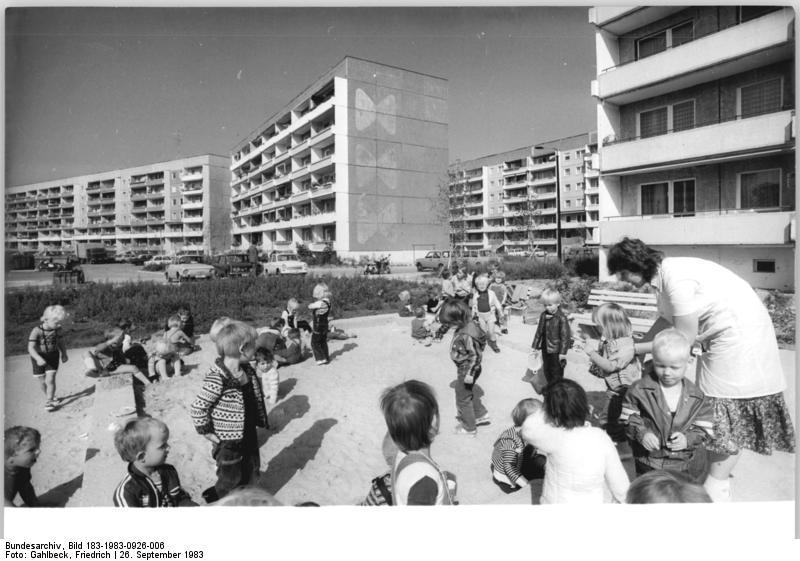 Leipzig, Grünau elamurajooni mänguväljak. Foto: Wikimedia Commons