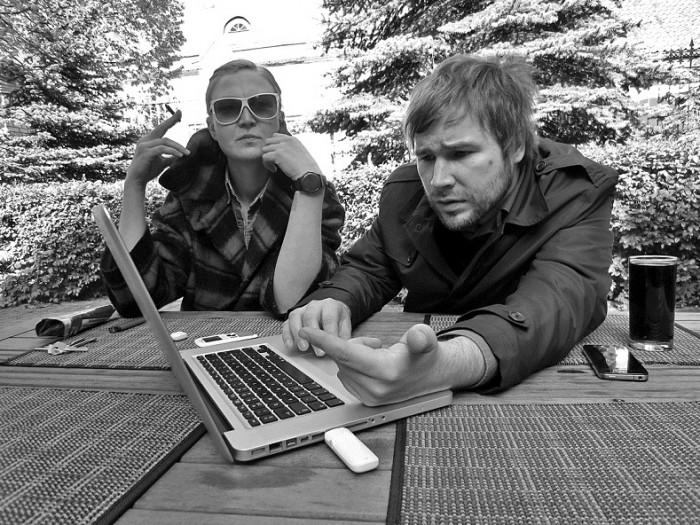 Lugemik: Anu Vahtra ja Indrek Sirkel. Foto: Mikk Heinsoo