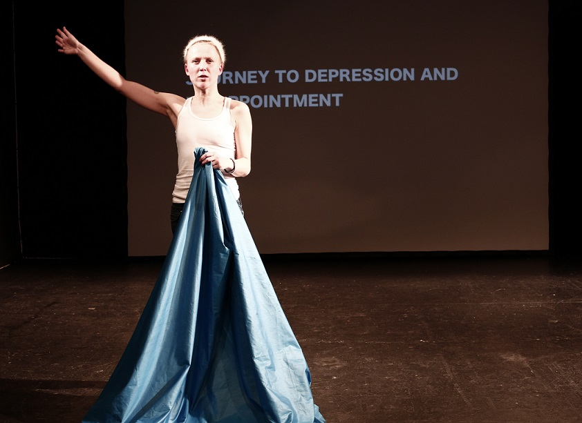 "Maike Londi lavastus ""10 journeys to a place where nothing happens"". Foto: Rania Moslam"