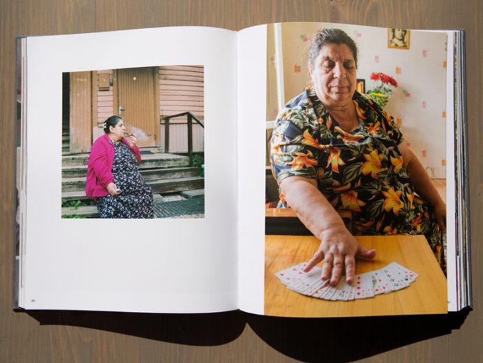 """Raamat """"Meie, mustlased"""". Foto: Annika Haas"""