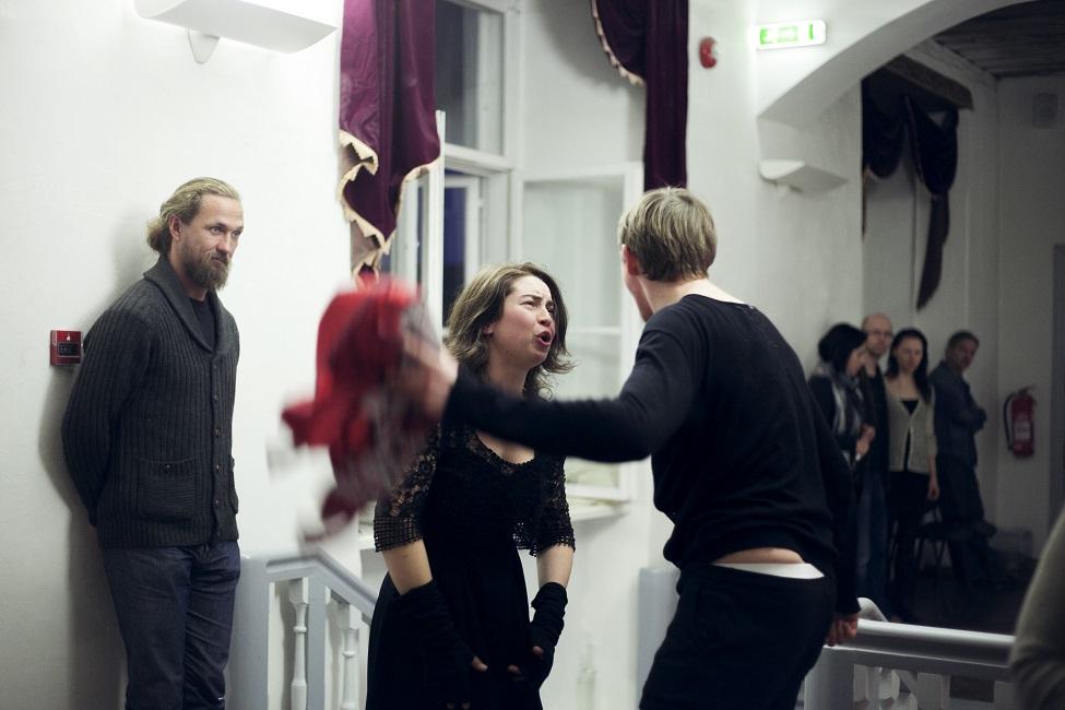"""Stseen lavastusest """"Idioot FM"""". Foto: Kätlin Luht"""