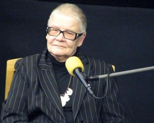 """Merle Karusoo 10. veebruaril 2014 esinemas üritusel """"teater/keel"""" Eesti Draamateatri maalisaalis. Foto: Ave Maria Mõistlik"""