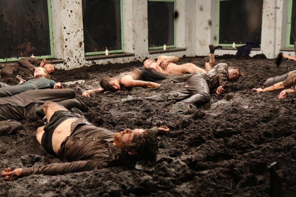 "Teater NO99 lavastus ""Kõnts"". Foto: press"