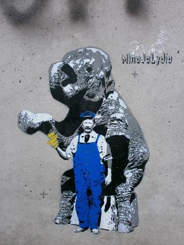 MinaJaLydia töö Vabaduse silla aluses tänavakunstigaleriis. Foto: Helena Läks