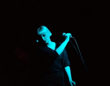 Molly Nilsson. Foto: Aleksandra Banet