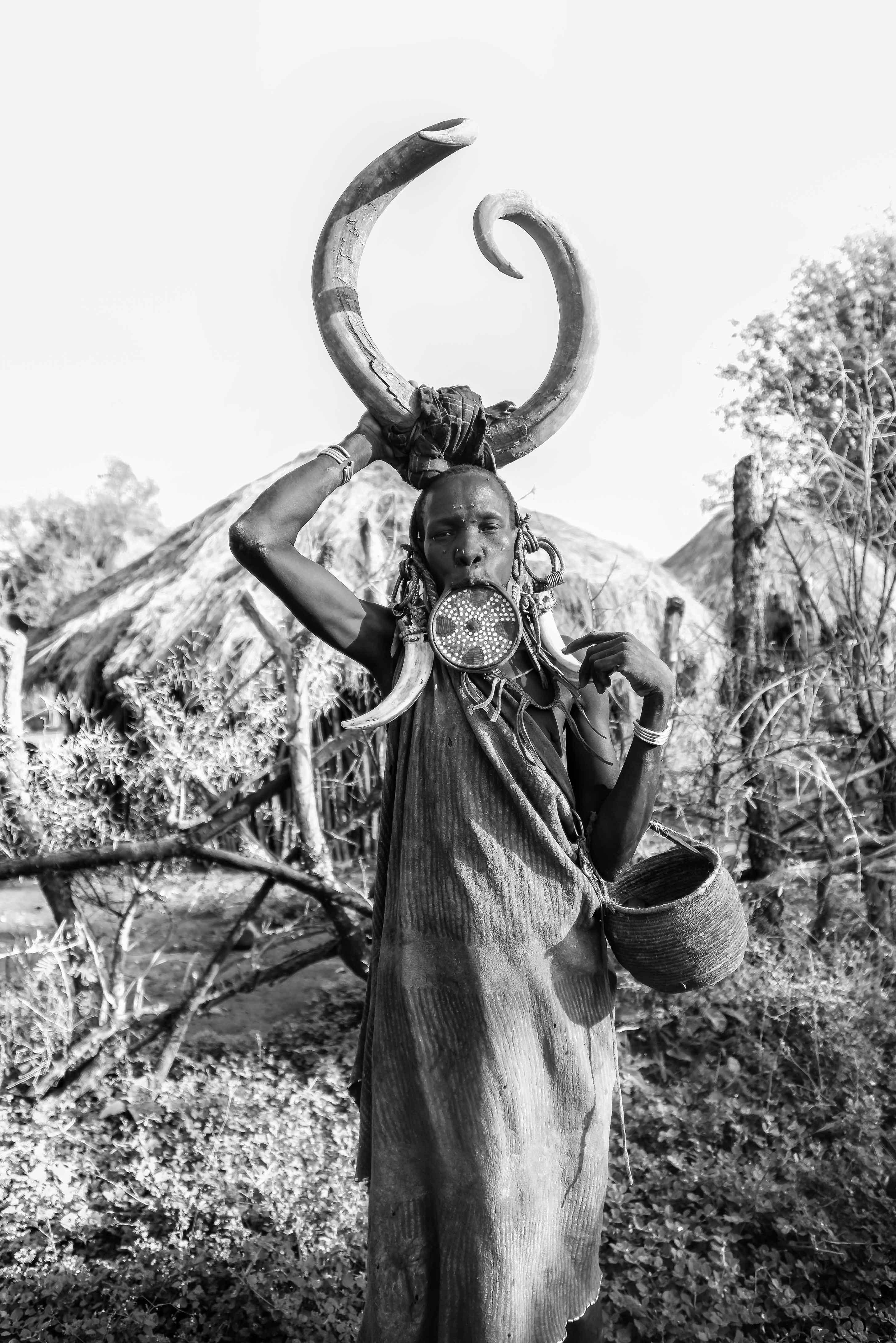Etioopia lõunaosas asuva mursi hõimu juures on kehade muundamine igapäevane nähtus. Foto: Flickri kasutaja Rod Waddington (CC BY 2.0)