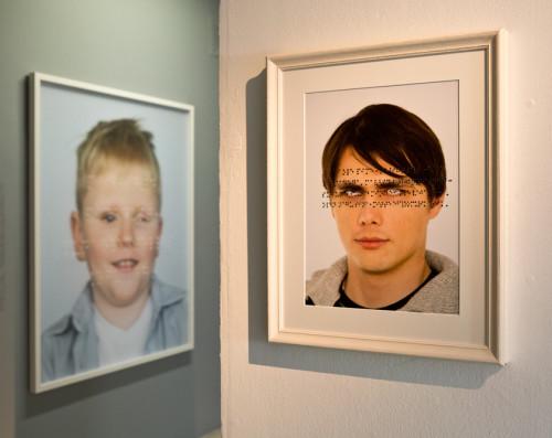 """Annika Haasi fotod näitusel """"Nägemise õpetusˮ. Foto: press"""