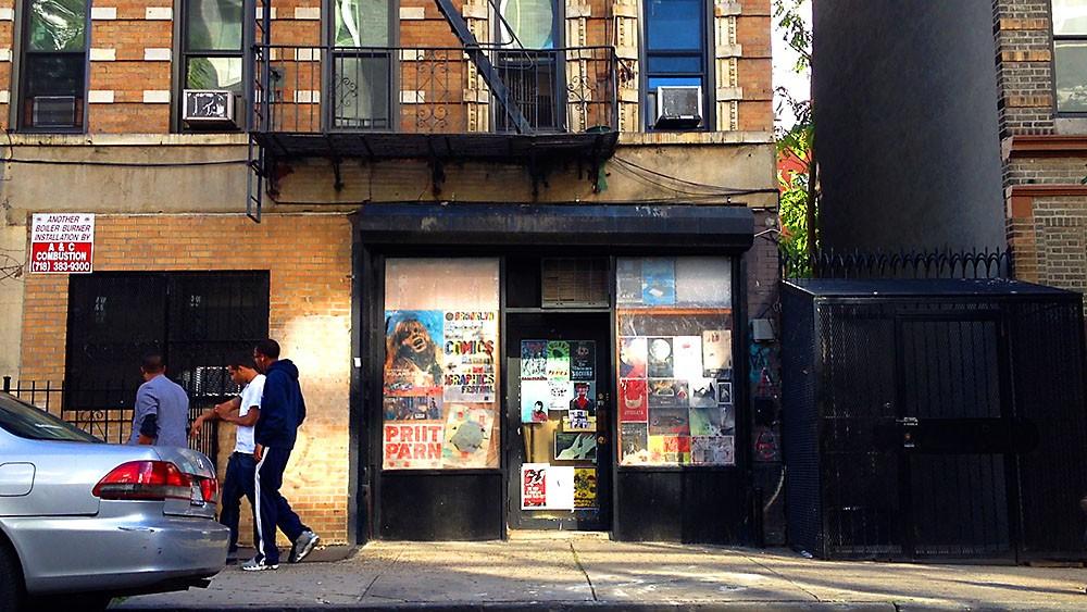 Neli hipsterit, kes kino Spectacle'it peavad, jagavad ühtlasi selle taga peituvat korterit. Foto: Spencer Yeh