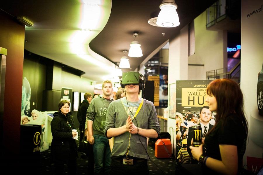 Oculus Rifti proovimine MängudeÖÖl. Foto: Krõõt Tarkmeel